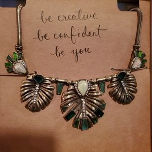 Chloe and isabel green leaf statement necklace